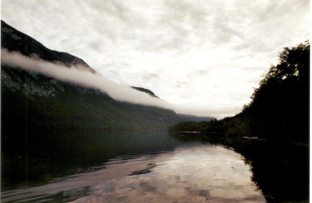 Analog Film Slowenien Bohinji See Wolkenverhangen Natur